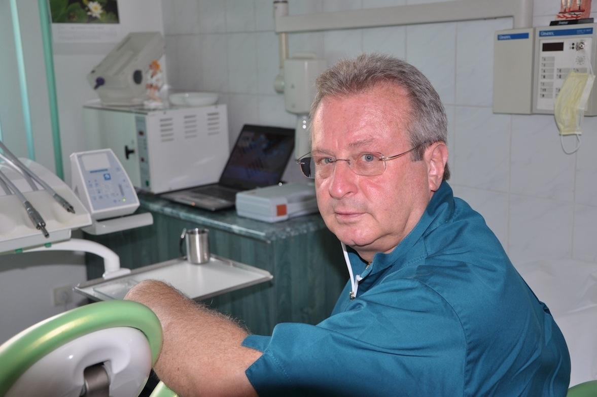 Dr. Hargitai Gábor