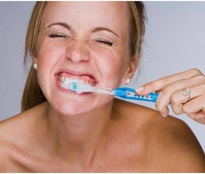 Milyen tünetei vannak a fogínygyulladásnak?
